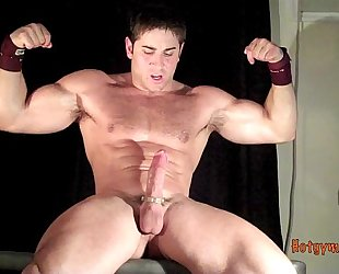CUMMING MUSCLE STUD WITH HAIRY CHEST
